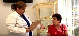 Nos especialistas em costas e pescoço de Miami, nós nos esforçamos para aumentar a qualidade de vida de nossos pacientes usando técnicas minimamente invasivas. Seu bem estar é nossa primeira prioridade.